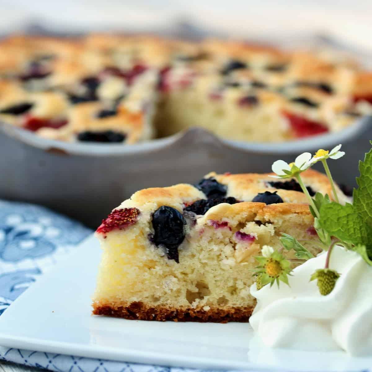 summer berry brunch cake